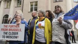 Európska komisia zažaluje Poľsko pre súdnu reformu