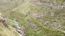 Tragická nehoda na severe Indie, autobus sa zrútil do rokliny
