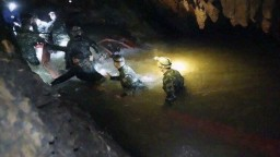 Mladých futbalistov našli živých, v jaskyni strávili viac ako týždeň