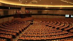 Poslancov v Bruseli čaká hlasovanie o podpore zbrojných firiem