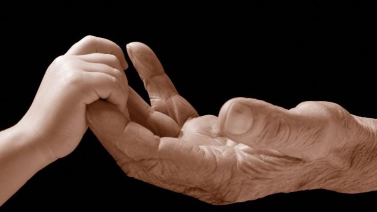Z chladných mužov milujúci dedovia. Ako sa menia starí otcovia?