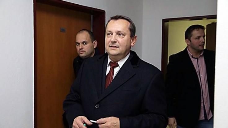 Pachinger bude čeliť ďalšej obžalobe pre pokračujúci zločin sprenevery