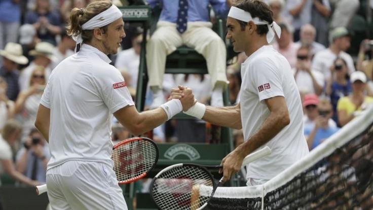 Federer po triumfe nad Lackom: Na tráve hrá veľmi dobre