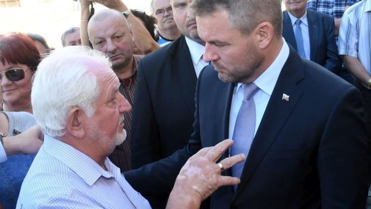 Premiér chce po stretnutí so starostami hovoriť o pozemkoch SPF