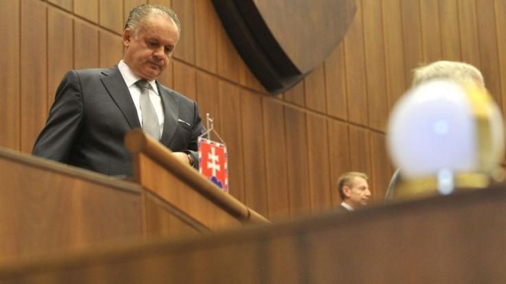 Kiska vetoval novelu o súdoch aj zákony o vysokých školách