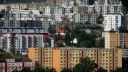 Bývanie môže zlacnieť, záujem o nehnuteľnosti klesá