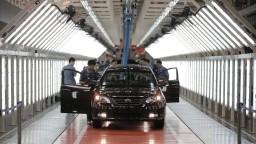 Čína plánuje znížiť clá na dovoz hotových áut z EÚ, vyhlásil Pellegrini
