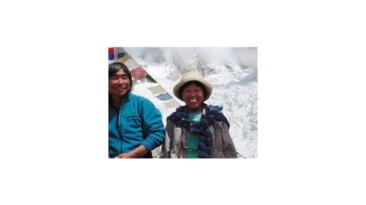 Na Mount Everest vystúpila 73-ročná Japonka