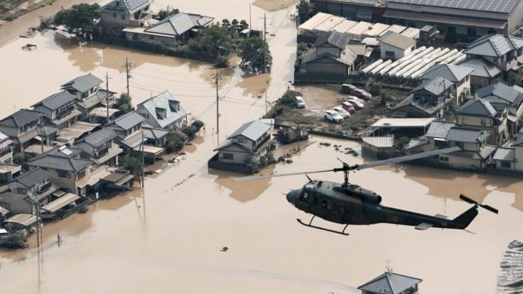 V Japonsku pribúdajú obete záplav, zaznamenali rekordné zrážky