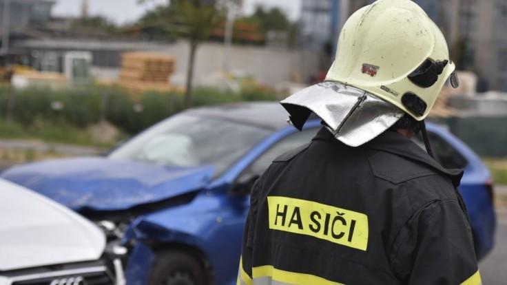 Tragédia na Orave: mladík čelne narazil do vozidla s deťmi