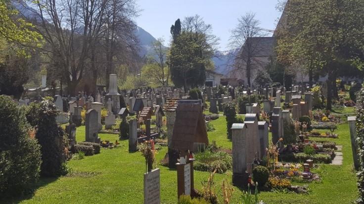 O lukratívne hrobové miesta je nadmerný záujem. Musíte vyhrať v lotérii