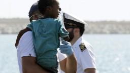 Stovky migrantov z lode si napokon rozdelí päť európskych krajín