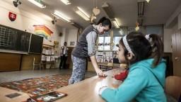 Škôlky dostanú asistentov, pomôžu s výchovou rómskych detí