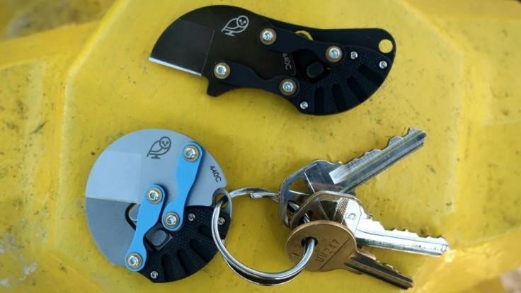 Vreckový nožík v tvare mince je naostrený na každodenné použitie