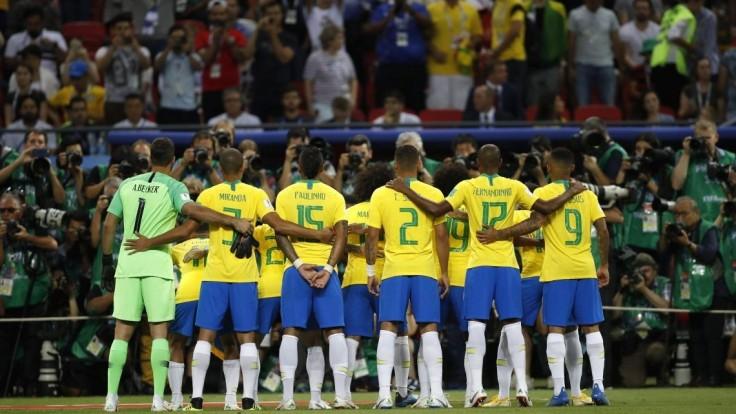 Matku brazílskeho futbalového reprezentanta vtiahli do auta a uniesli