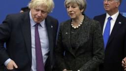 Johnson vyzval na záchranu brexitu, Mayovej plán odsúdil