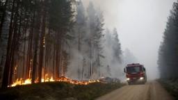 Teplota vo Švédsku je neprimerane vysoká, krajinu sužujú požiare