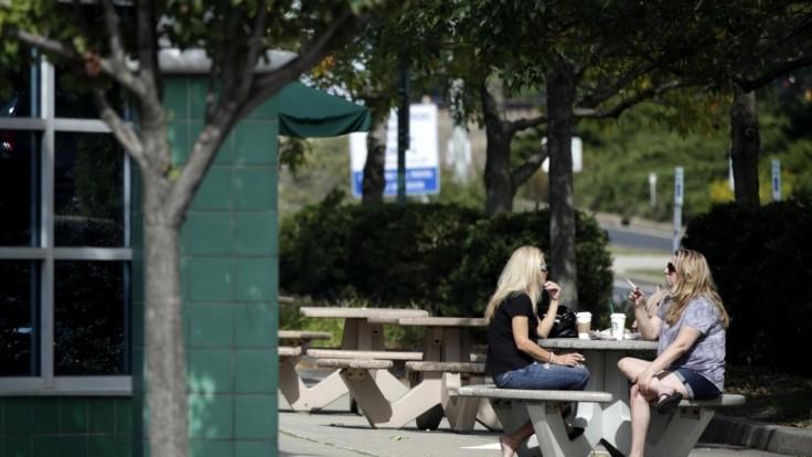 Protifajčiarske zákony idú o krok ďalej, cigarety zakážu i v parku