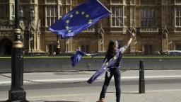 Británia sa môže vyhnúť pokute za brexit, siaha do výšky niekoľkých miliárd