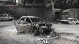 Požiare v Grécku sa zmenili na drámu, zahynuli desiatky ľudí