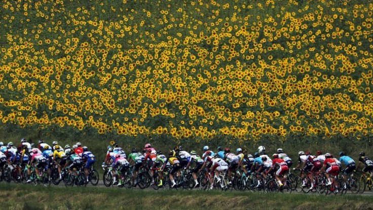 16. etapu TdF ovládol Alaphilippe, Sagan má zelený dres na dosah