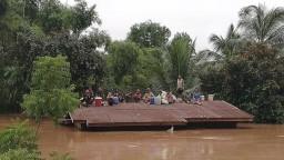 V Laose prišli o strechu nad hlavou tisíce ľudí, pomáha aj Kórea