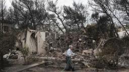 Obetí požiaru je viac. Zo snímok dronov zisťujú, kto ho založil