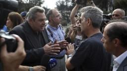 Grécky minister rozzúril ľudí, za ničivé požiare vraj môžu aj oni