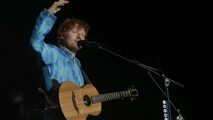 Na Sheeranovom koncerte skolabovalo vyše 300 fanúšikov