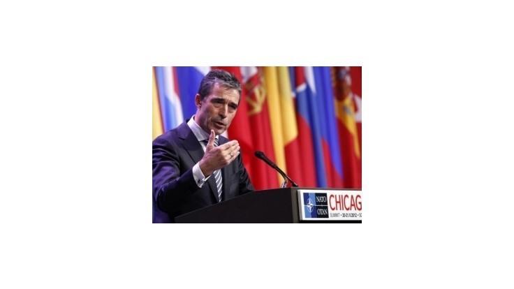 Summit NATO schválil stratégiu ukončiť vojnu v Afganistane