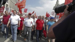 Nespokojní Rusi vyšli do ulíc, pobúrila ich penzijná reforma