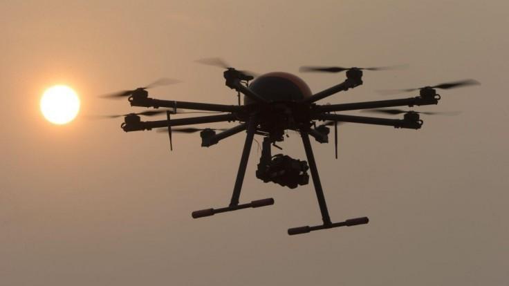 Predaj dronov prudko vzrástol, využívajú ich farmári i elektrárne
