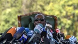 V Zimbabwe sa po rokoch zmení hlava štátu, Mugabe nekandiduje