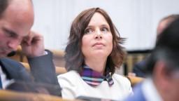 Situácia v SAV pripomína Hlavu 22, opozícia zvolá mimoriadny výbor