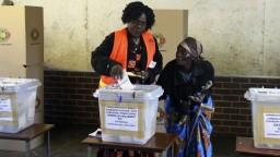 V Zimbabwe dokončujú sčítavanie hlasov, voľby vraj neboli zmanipulované