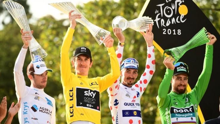 Geraint Thomas slávil víťazstvo na Tour de France krištáľovou trofejou od spoločnosti ŠKODA AUTO