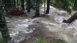 Vyčíslili škody po povodniach, spor lesníkov s ochranármi neutícha