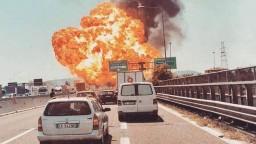 Diaľnicou v talianskom historickom meste otriasol masívny výbuch