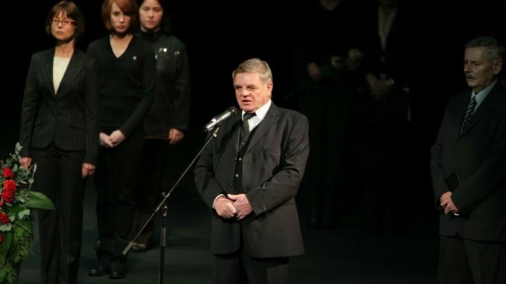 S legendárnym hercom Dančiakom sa naposledy rozlúčia v SND