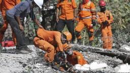 Zemetrasenie v Indonézii si vyžiadalo už 347 životov