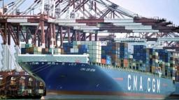Čína vracia úder, na tovar zo Spojených štátov uvalí clá za miliardy