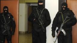 NAKA vo veľkom zasiahla na bratislavskom úrade. Sedem ľudí obvinili