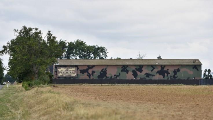 V Dolnej Krupej riešili petíciu proti Nočným vlkom, tanky z areálu zmizli
