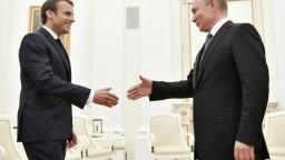 Macron mal telefonát s Putinom, dôvodom bol uväznený režisér