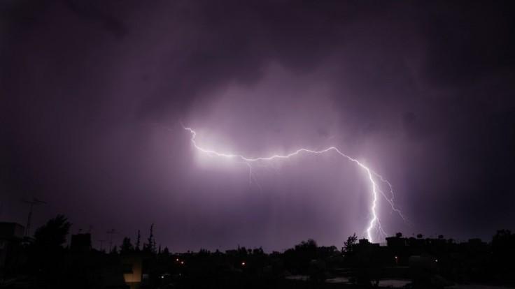 Silné búrky môžu spôsobiť povodne, meteorológovia vydali výstrahu