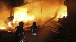 V Sýrii explodoval muničný sklad, zahynuli desiatky ľudí vrátane detí