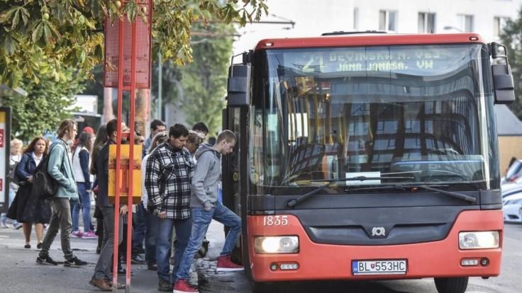 V Bratislave chystajú veľký nákup autobusov, v pláne sú i električky