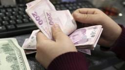 Turecká mena má veľké problémy, situáciu zhoršil Trump