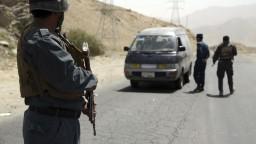 Horiace domy a mŕtve telá. Taliban chce ovládnuť afganské Ghazní