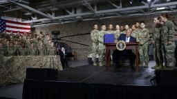 Trump chce oveľa silnejšiu armádu, podpísal rekordný rozpočet